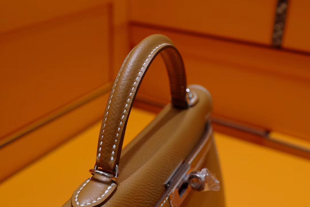 Mini Kelly二代 金棕色 Epsom 银扣 百搭神色 法国巴黎旗舰店盒子包装等一整套 (代购级别)