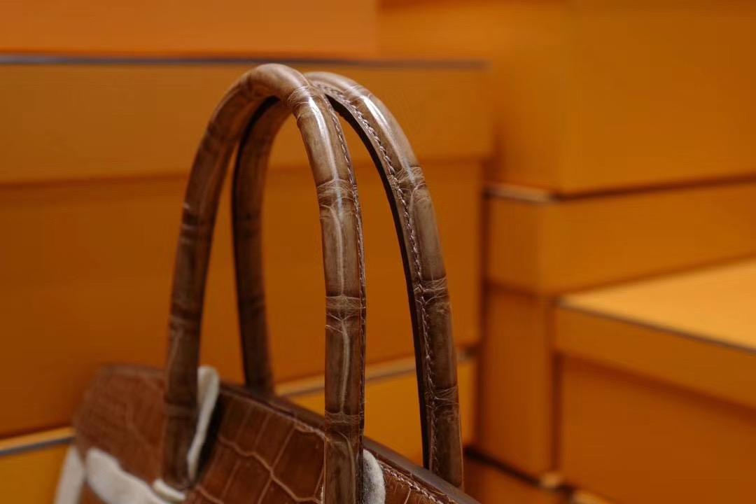 法国师傅顶级私藏品 : 终级鳄鱼王者之王 原装野生倒V湾鳄 Hermes Birkin30 蜜糖棕色 金扣